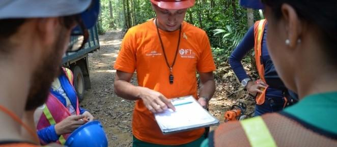 CMFRB recebe estudantes da UFRA durante curso GE