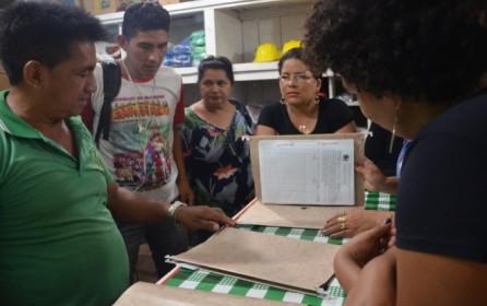 (Português do Brasil) Cooperativas de populações tradicionais da Amazônia trocam experiências em Santarém