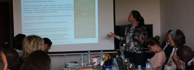 (Português do Brasil) Em Quito, no Equador, IFT apresenta iniciativa de manejo madeireiro comunitário em unidade de conservação da Amazônia