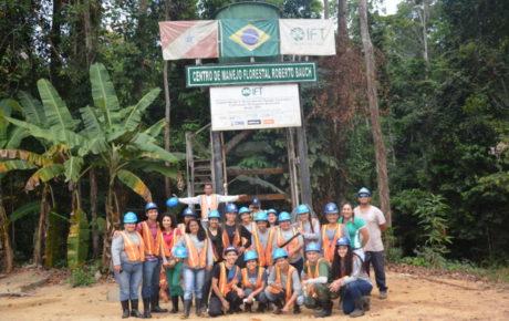 Alunos do curso técnico em Florestas do IFAM participam de curso no IFT